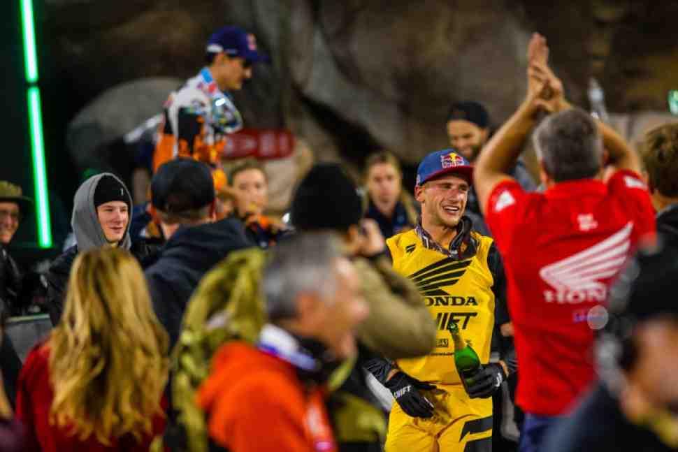 Суперкросс: чистая победа Кена Рокцена - видео 2 этапа ЧМ, Сан-Диего