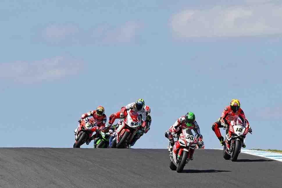 WSBK: Юджин Лаверти - Aprilia RSV4 пока слишком далек от Kawasaki и Ducati