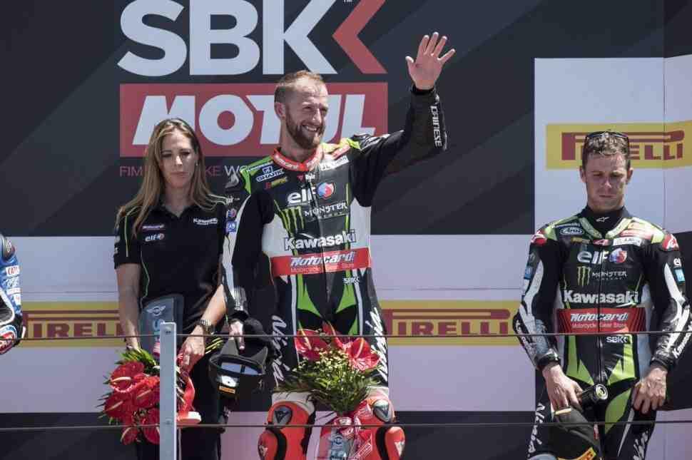 WSBK: Напичканная авариями гонка в Мизано принесла неожиданную победу Тому Сайксу