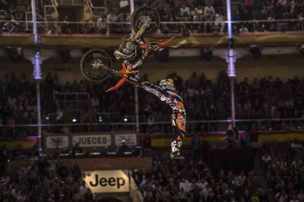 Red Bull X-Fighters: Леви Шервуд взял двойную победу в Мадриде