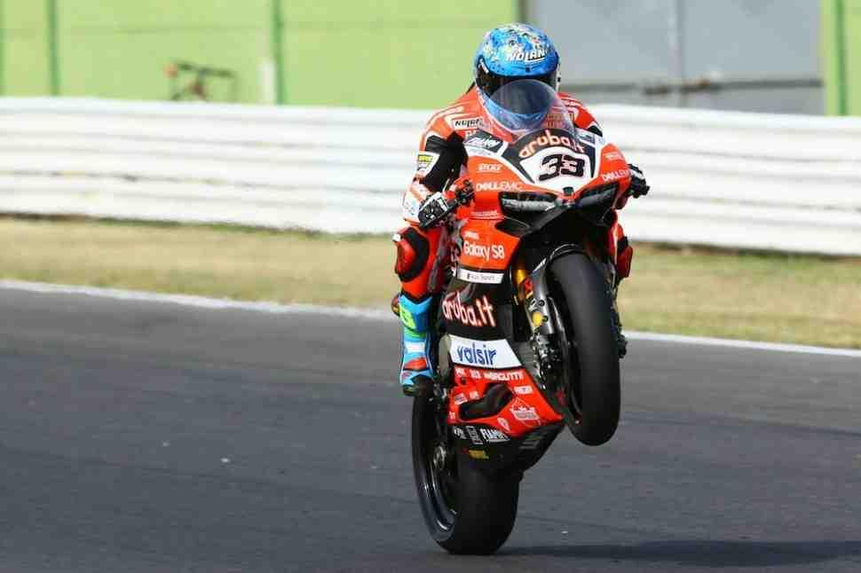 WSBK: Марко Меландри ждет продления контракта с Ducati и новый V4