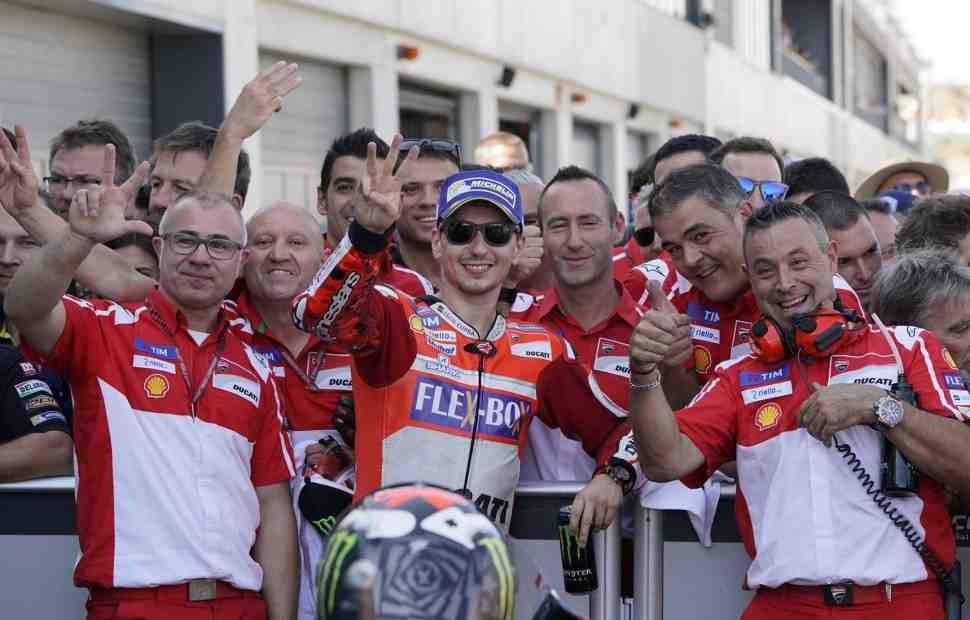 MotoGP: Хорхе Лоренцо - до победы остался один шаг