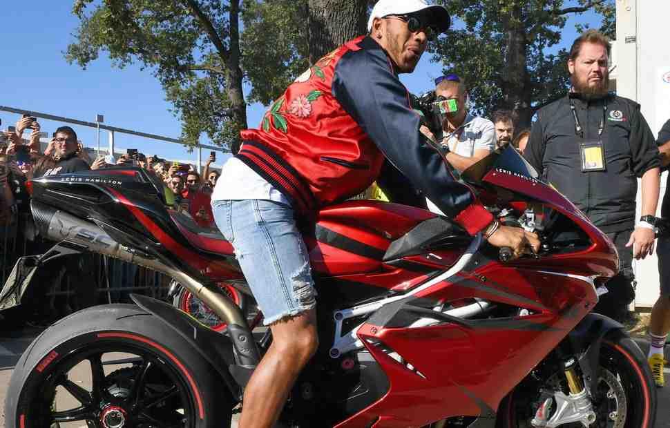 MV Agusta F4 RC Lewis Hamilton Edition от Льюиса Хэмильтона: готов к отгрузке клиентам