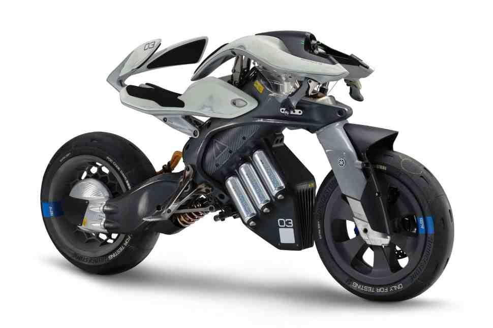 Yamaha покажет концепт «живого» мотоцикла MOTOROiD на Tokyo Motor Show 2017