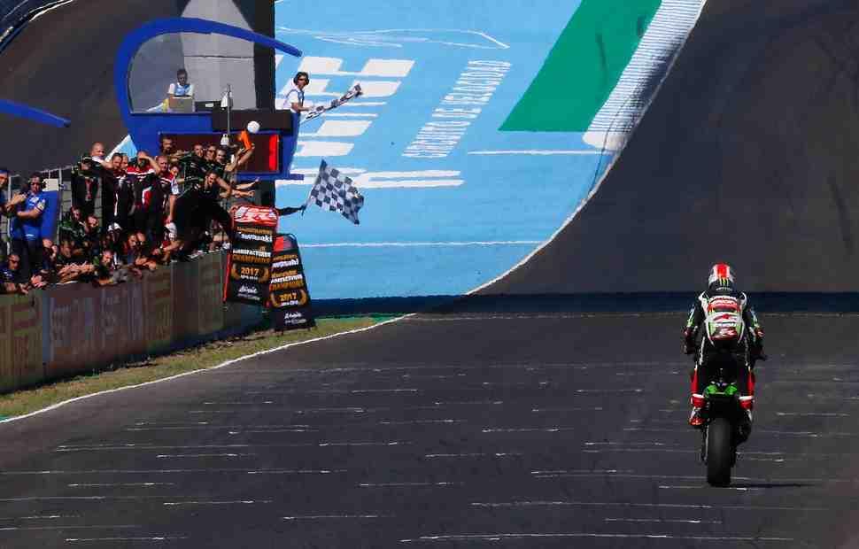 Итоги WSBK в Хересе: Рэй взял победный дубль, Kawasaki - Кубок конструкторов