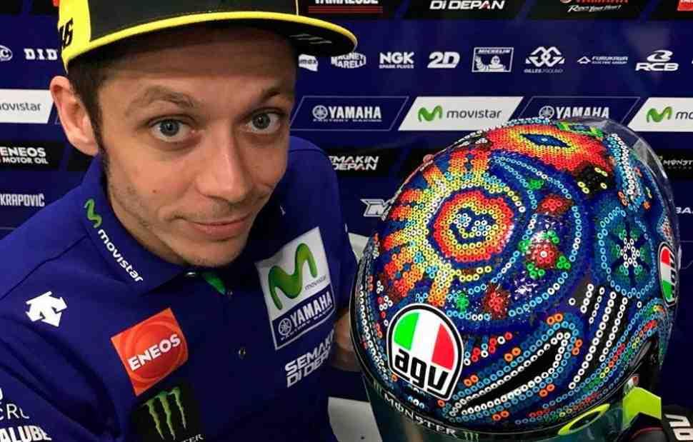 MotoGP: Валентино Росси поехал на тесты в Сепанге в особом шлеме в стиле уичоль