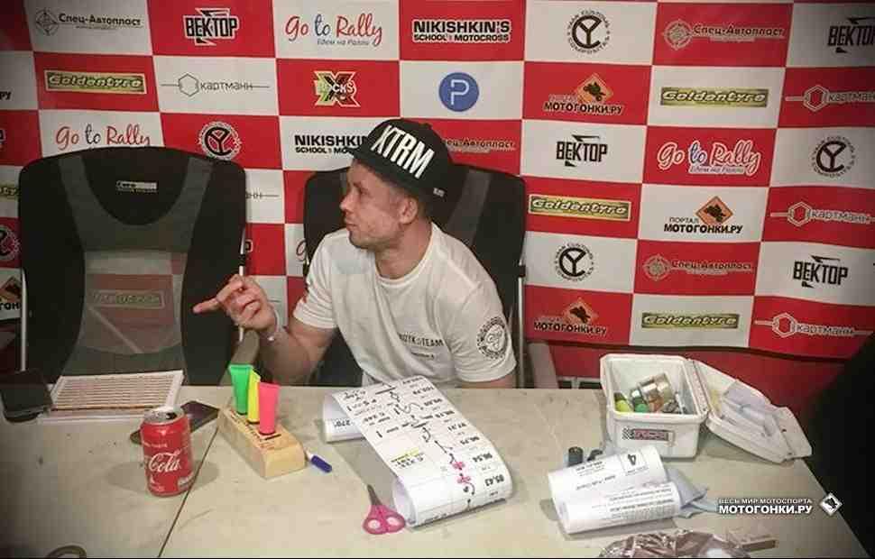 Africa Eco Race: Дмитрий Агошков вернулся в TOP-10 после суточного нон-стопа без отдыха