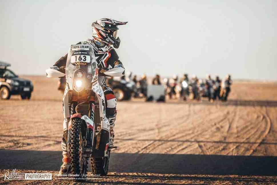 Africa Eco Race СУ7: Агошков и Troyka Team в группе лидеров
