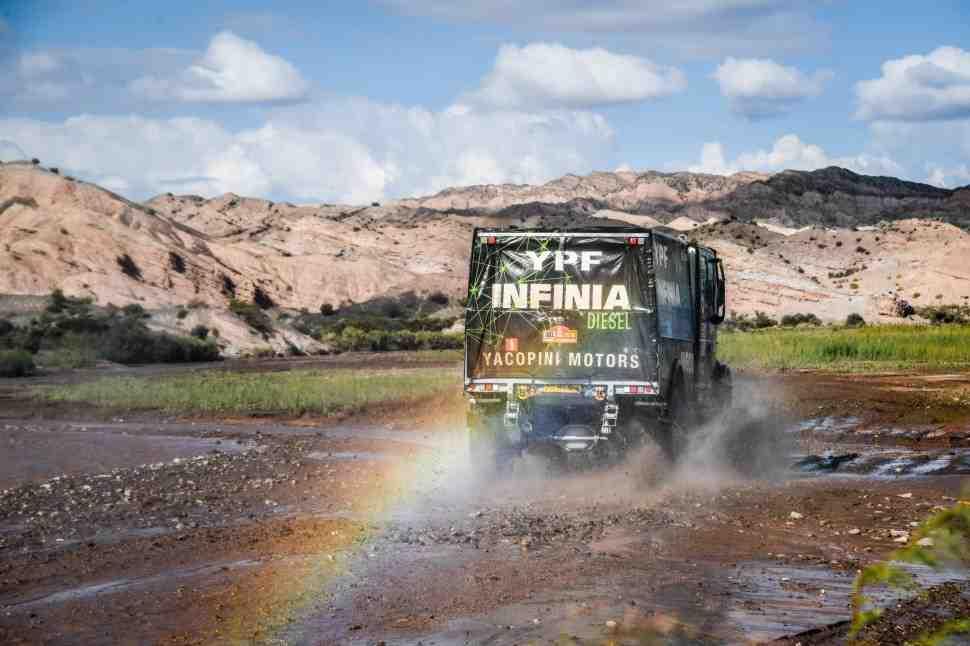 Ралли Дакар-2018: Виллагра сходит, освобождая путь на подиум для КАМАЗ и МАЗ