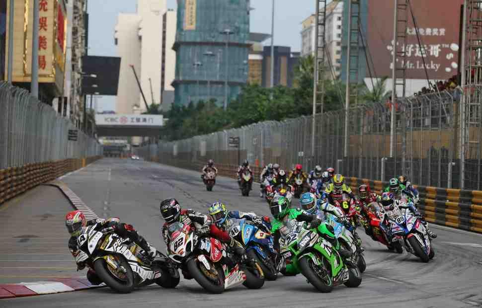 Промоутер чемпионата MotoGP задумался о проведении уличной гонки