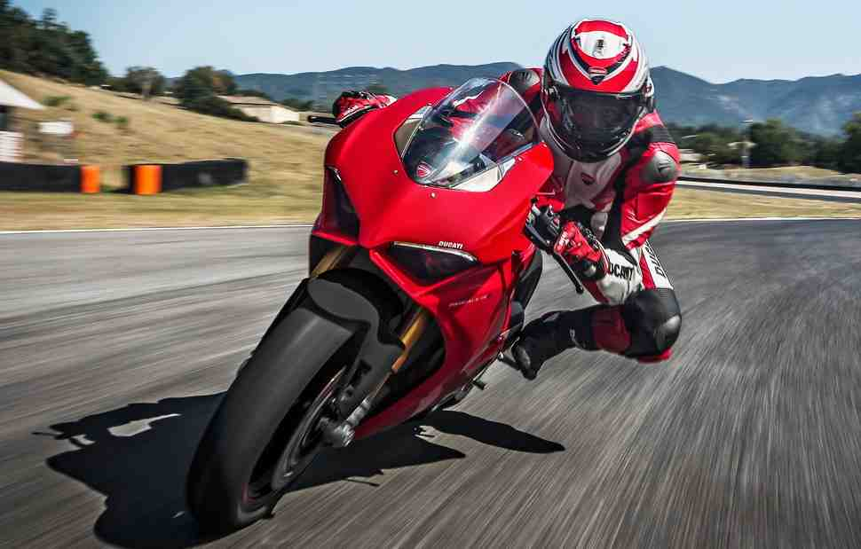 ТЕСТ-ДРАЙВ - Первые впечатления: Ducati Panigale V4 - Звучит, как V-Twin, но гораздо лучше!