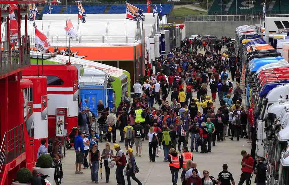 MotoGP Inside: Росси останется, Yamaha будет биться за титул, а бюджеты команд сократятся
