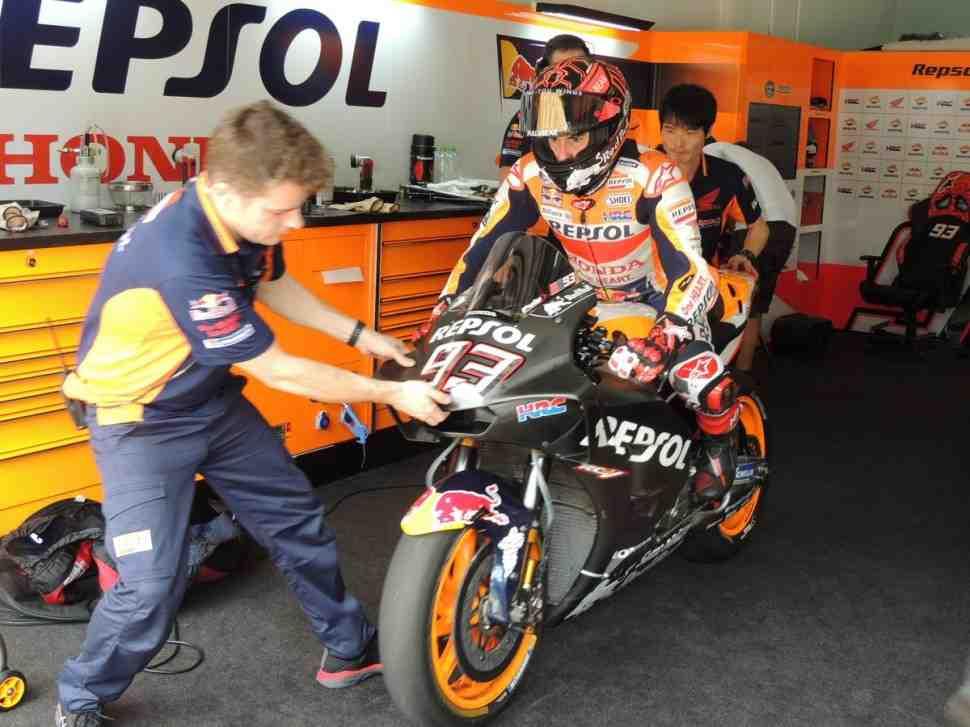 MotoGP: Марк Маркес работает сразу на трех Honda RC213V