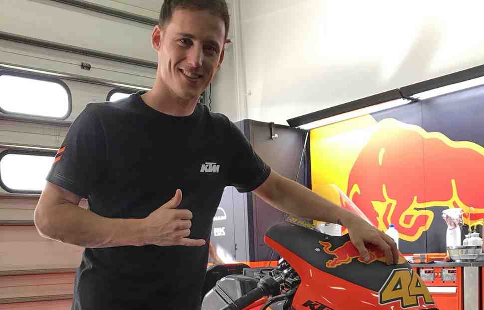 MotoGP: Пилот KTM Пол Эспаргаро чудом избежал травм при падении на 250 км/ч в Сепанге