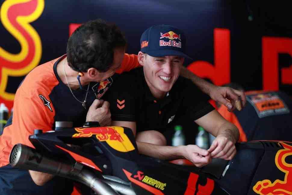 MotoGP: Директор KTM рассказал подробности большой аварии Эспаргаро в Сепанге
