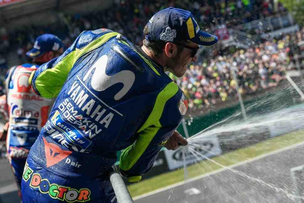 MotoGP: Валентино Росси вернулся на подиум, но это... его максимум сегодня?