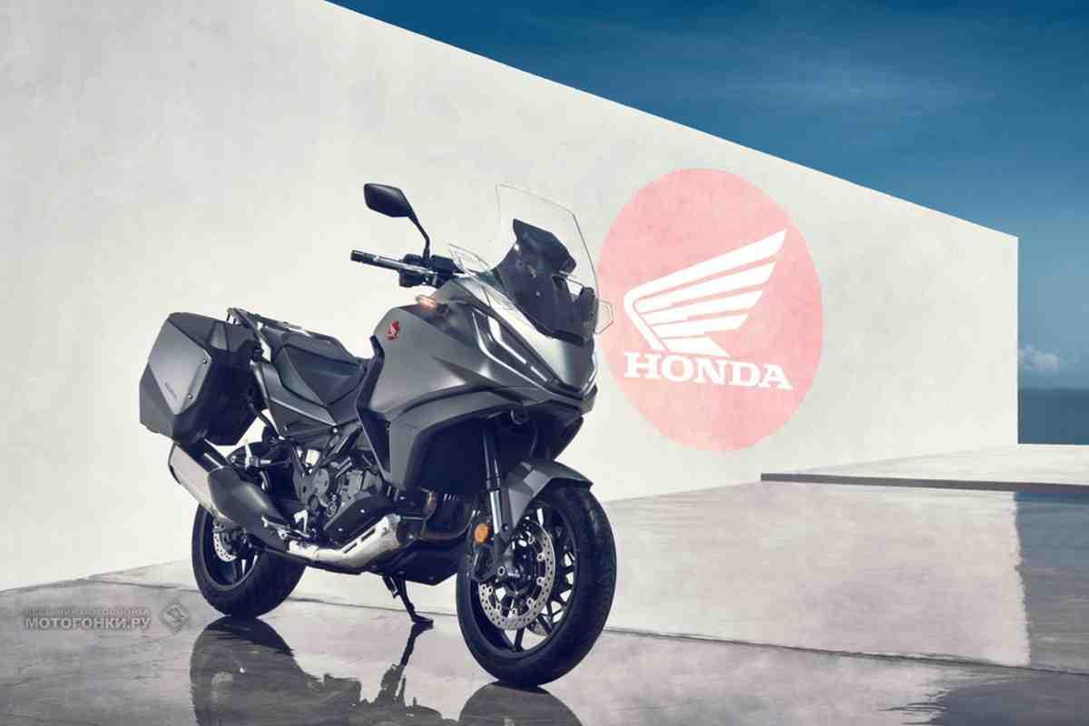 Новый спортивно-туристический мотоцикл Honda NT1100 (2022): все подробности и фото