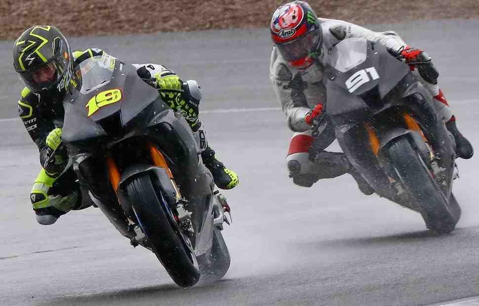 Honda Fireblade CBR1000RR-R ��������� �������� ���� ������ WorldSBK �� Circuito de Jerez