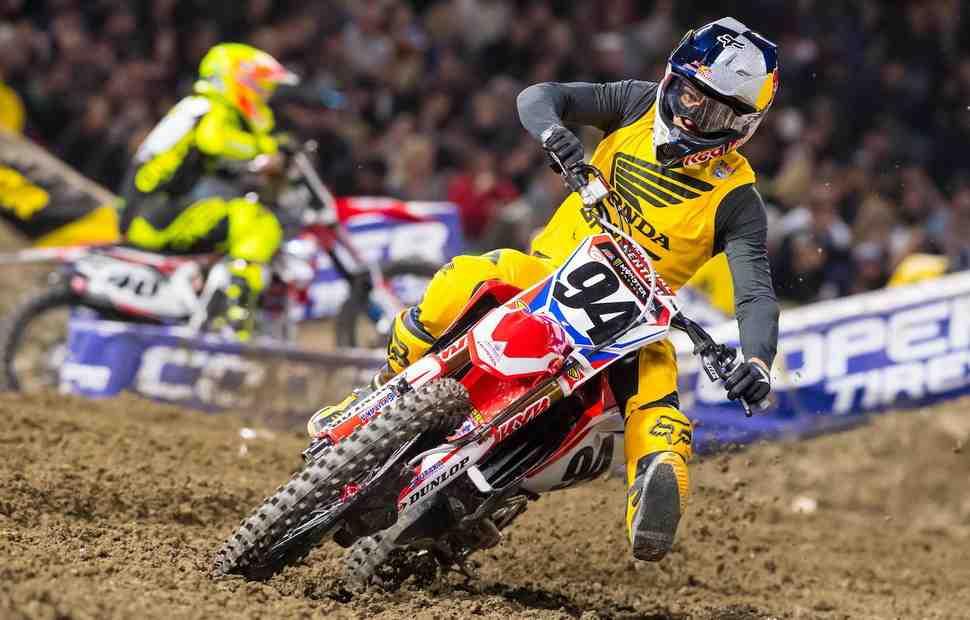 Карьеру звезды MXGP и AMA Supercross Кена Рокцена хотят спасти: поможет переход в MotoGP?