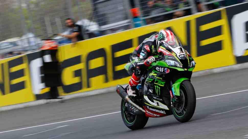 ThaiWorldSBK: Рэй и Сайкс возглавили TOP-10 пятницы, но MV Agusta и Ducati всего в 0.1 сек
