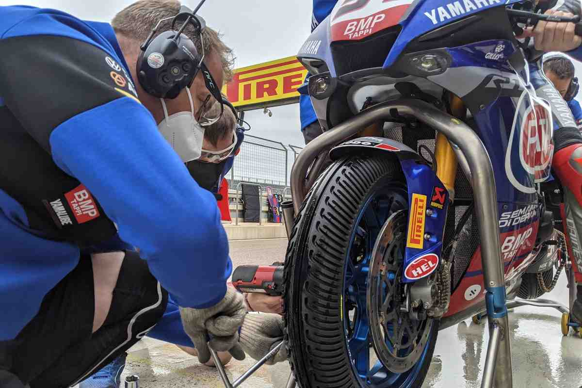 ����� � ������ - ������� �������� ��� AragonWorldSBK: ������ ���� ��� Pirelli SCX?