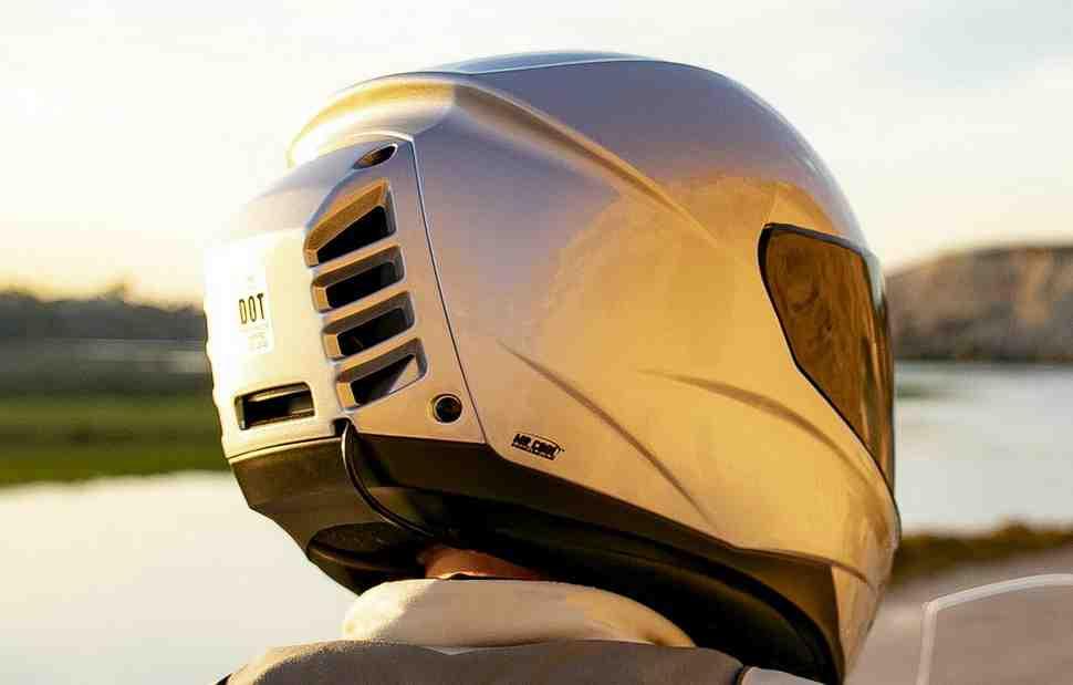 Новое в индустрии мотошлемов: теперь с кондиционером!