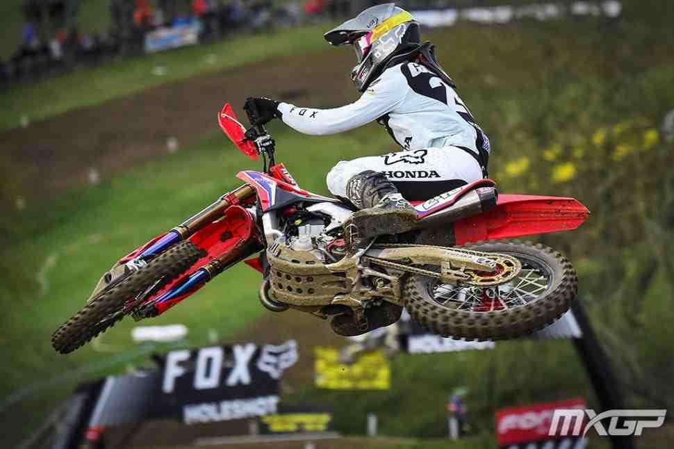Мотокросс MXGP: жесткое падение Тима Гайзера в Гран-При Великобритании - видео