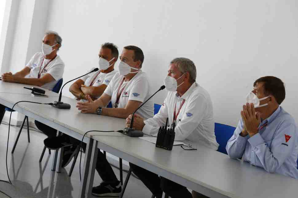 В MotoGP начало действовать новое правило езды под желтыми флагами