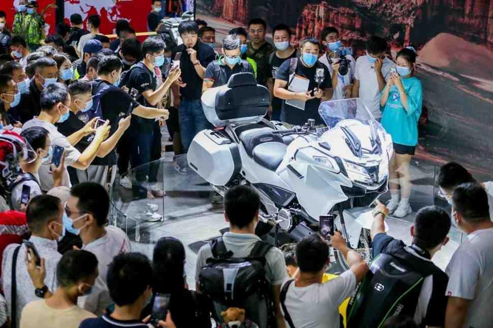 Китай выходит на новый уровень жизни: гранд-туризмо CFMoto 1250TR-G с двигателем KTM LC8