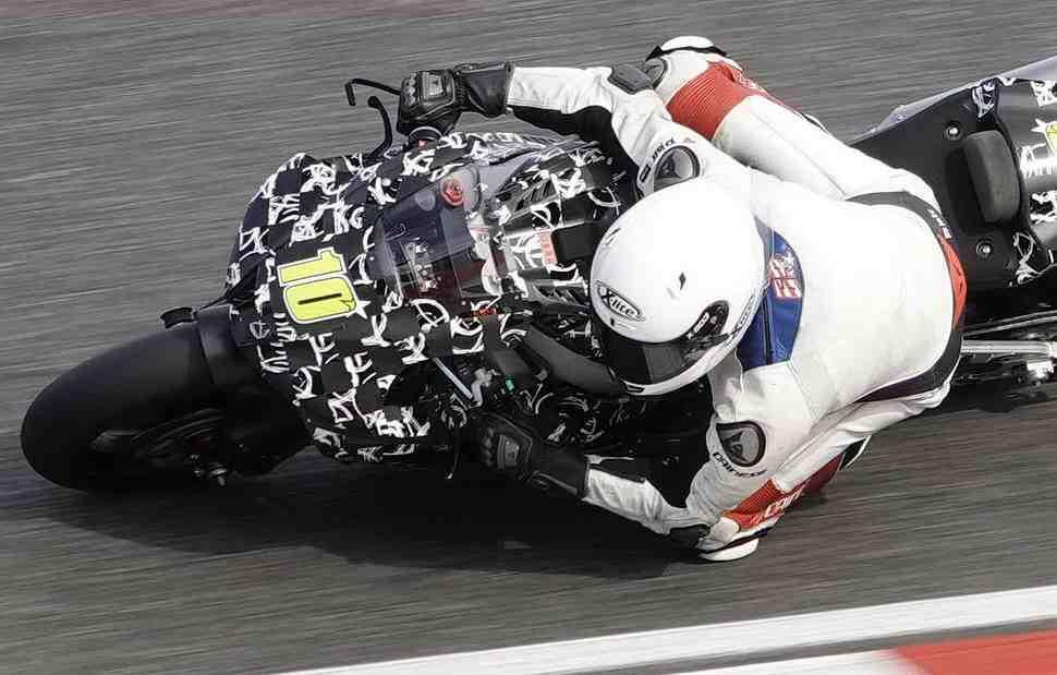 Honda CBR1000RR поколения 2020 года застукали на тестах: первые реальные фотографии