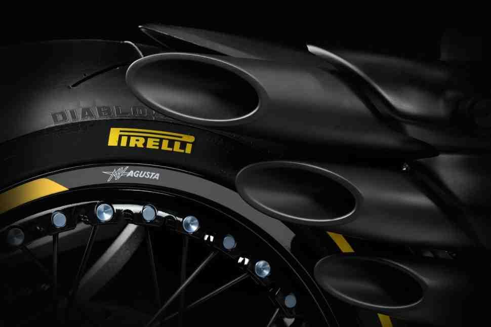 ����� ����������� � Yamaha ����������� � Kiefer Racing ������� ������ � MV Agusta � WorldSSP