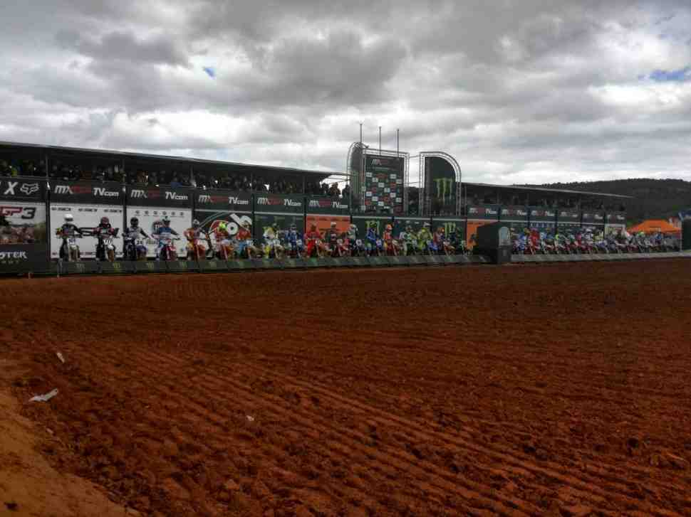 Мотокросс: 1-й заезд Гран-При Валенсии MXGP - Кайроли отыграл 3 очка у Херлингса