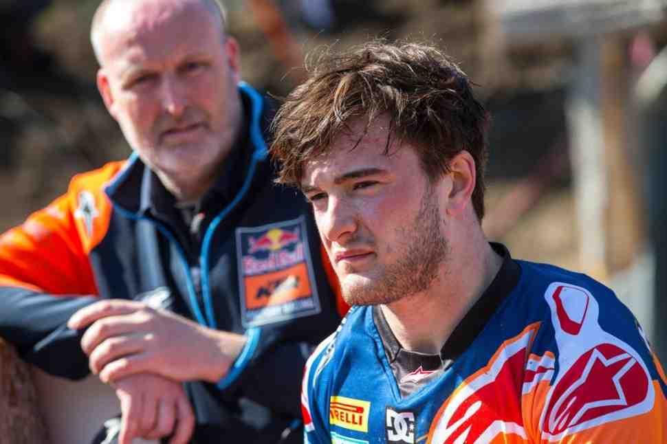 Чемпион мира по мотокроссу MXGP Джеффри Херлингс сломал ногу за месяц до нового сезона