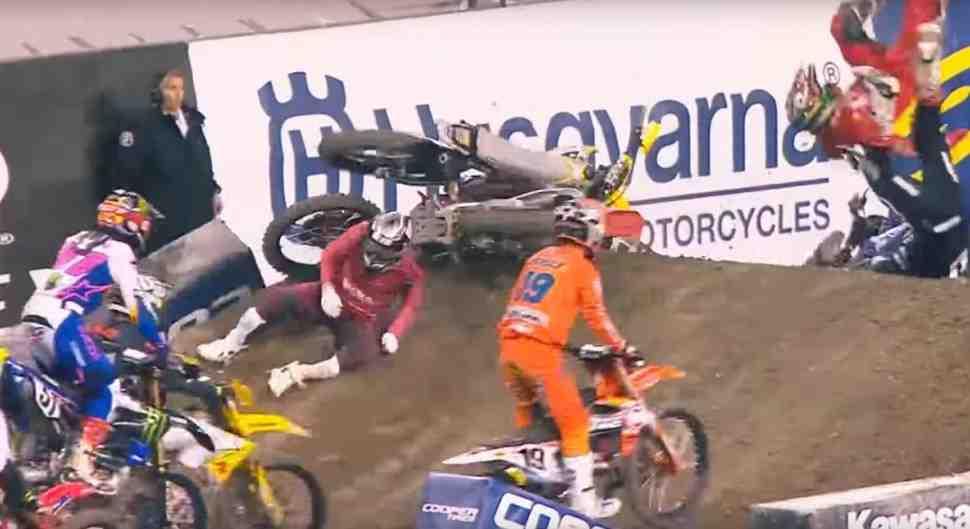 AMA Supercross: Чад Рид выбывает из чемпионата мира из-за травм