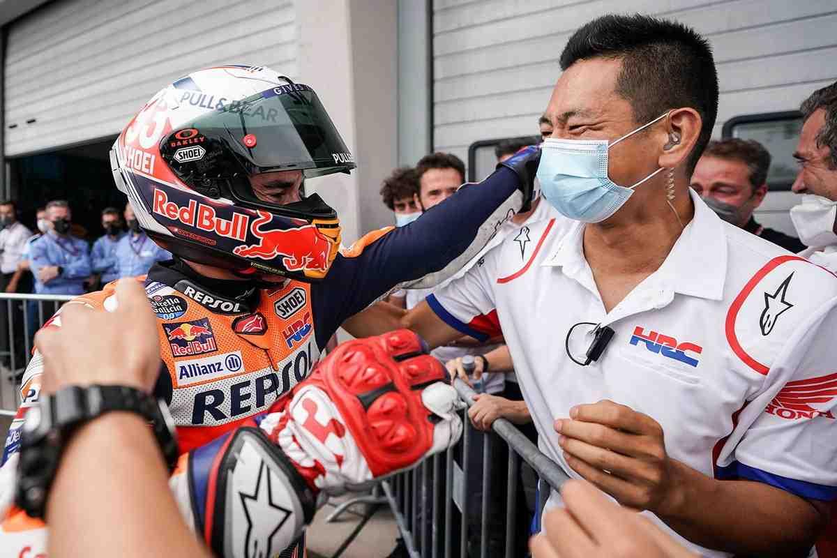 Ответственный за MotoGP менеджер HRC раскрыл секрет сложностей возвращения Марка Маркеса