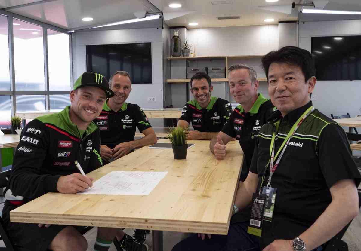 ����� ���� �������� � Kawasaki Racing Team � World Superbike
