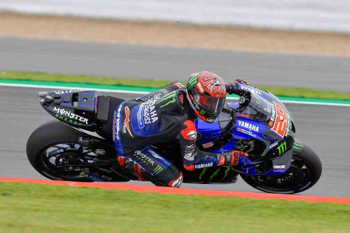 MotoGP - Первый день BritishGP: две практики - три скоростных падения лидеров дня