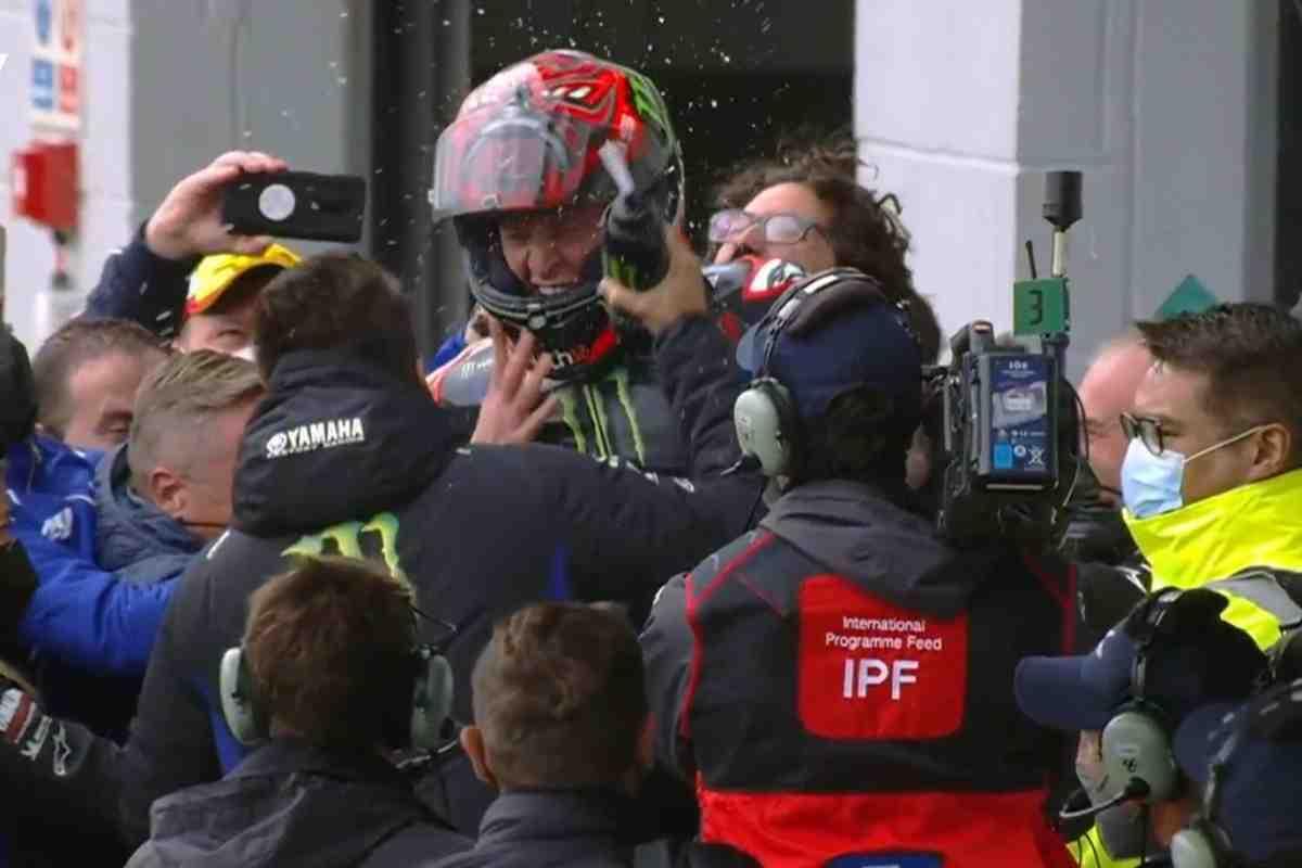 Братья Эспаргаро помогли Куартараро выйти в абсолютные лидеры MotoGP: итоги BritishGP