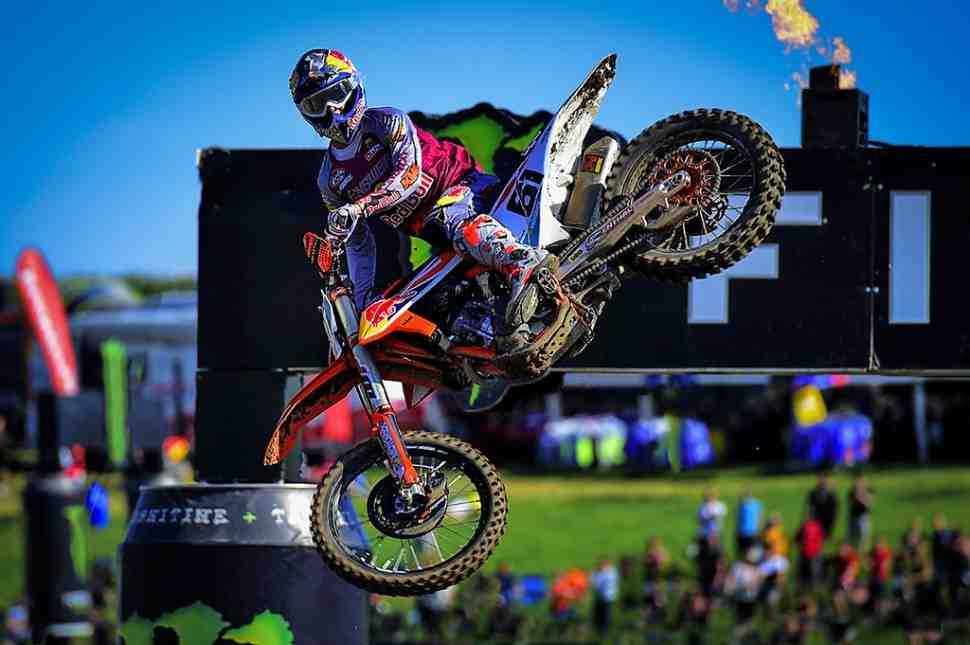 Мотокросс: видео квалификаций Гран-При Великобритании MXGP/MX2