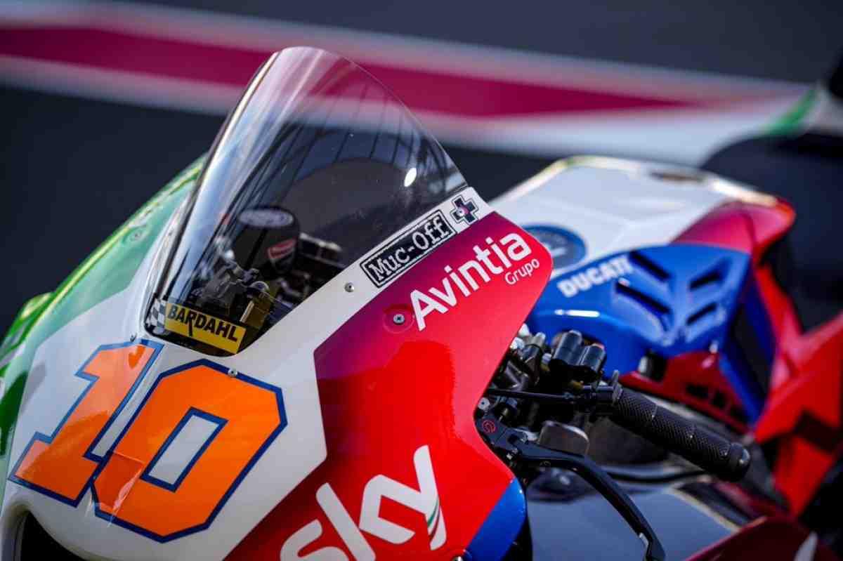 Домашние цвета Sky Racing Team VR46 для Гран-При Италии: не только шлем Валентино Росси!