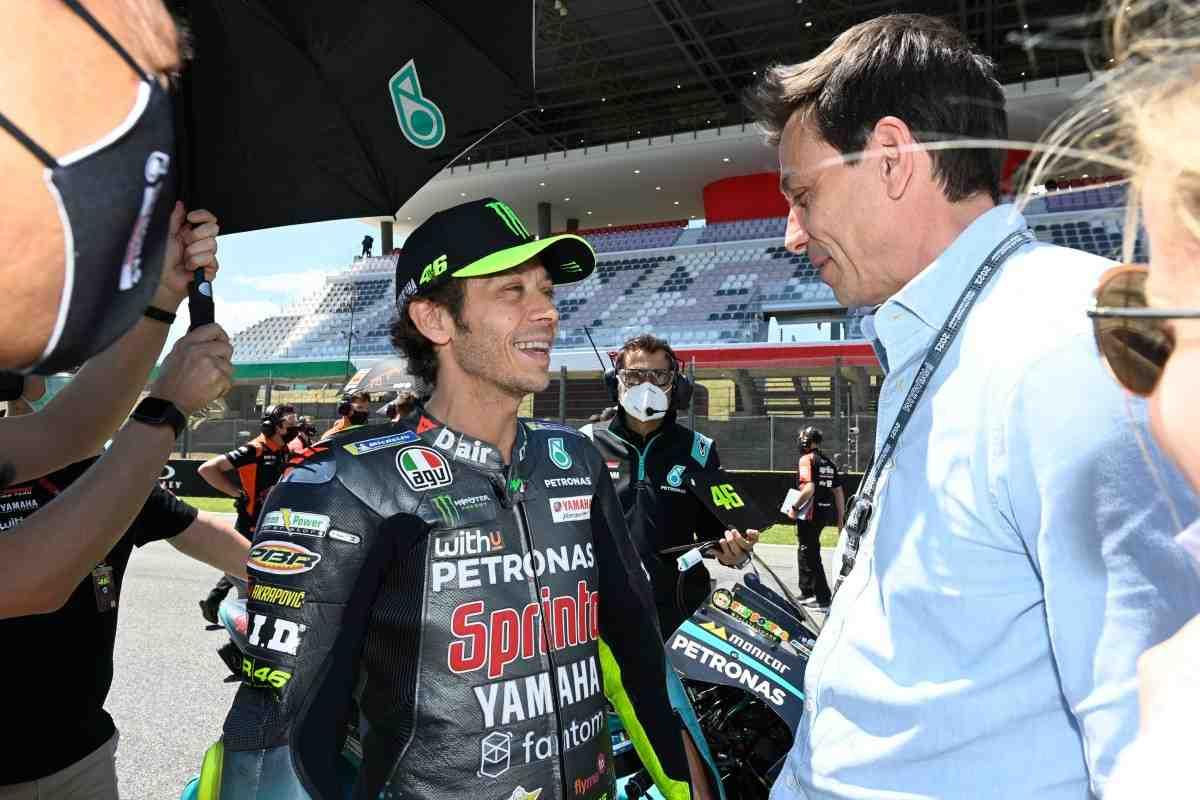 Боссы Формулы-1 посетили Гран-При Италии MotoGP с деловым визитом