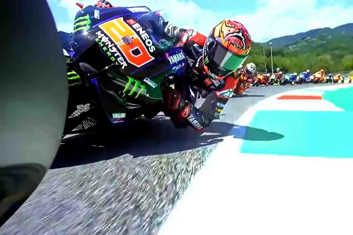MotoGP: Видео - Вся гонка Гран-При Италии с самого необычного ракурса