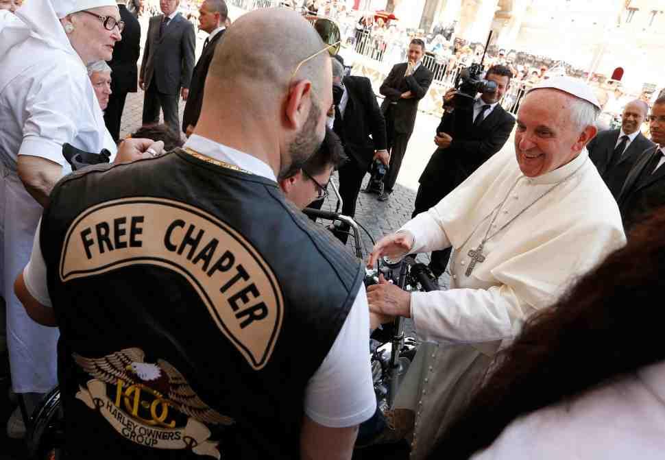 Папа Римский встретится с мотогонщиками MotoGP