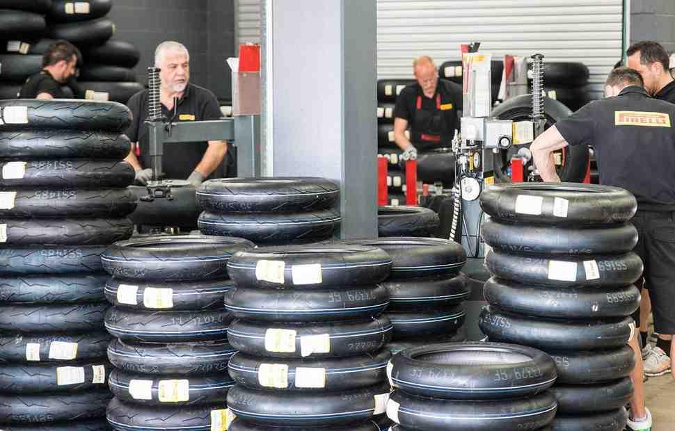 Pirelli вводит датчики давления в WorldSBK следом за Michelin в MotoGP