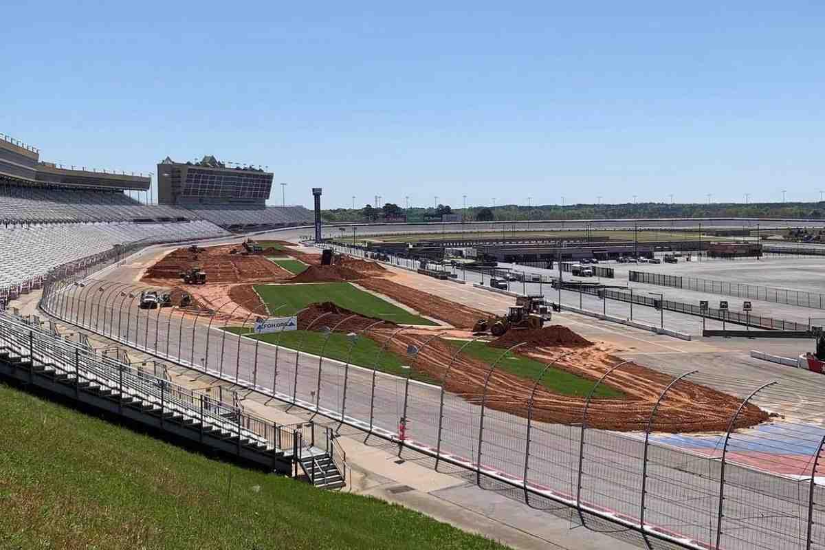 AMA Supercross возвращается после каникул с триплхедером в Атланте: схемы трех трасс