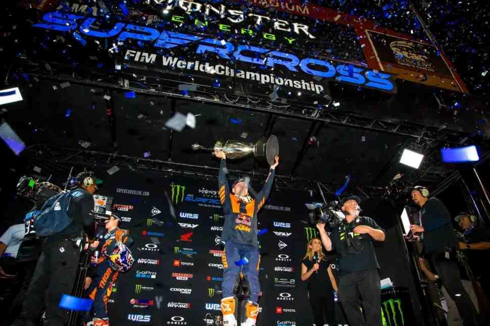 Видео ключевых событий 17 этапа FIM/AMA Supercross 450SX - Лас-Вегас