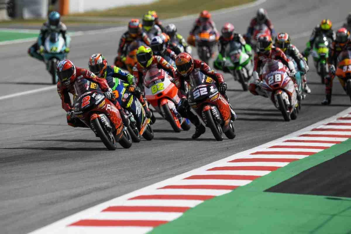 Гран-При Каталонии - классика Moto3: 1 из 13 - подиум определился уже после финиша гонки