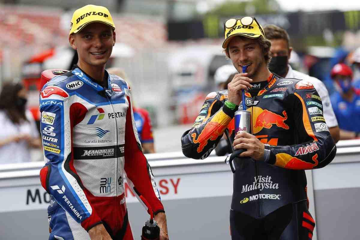 Moto2: Гарднер и Рауль Фернандес продолжат свой спор за титул с первой линии в Каталонии