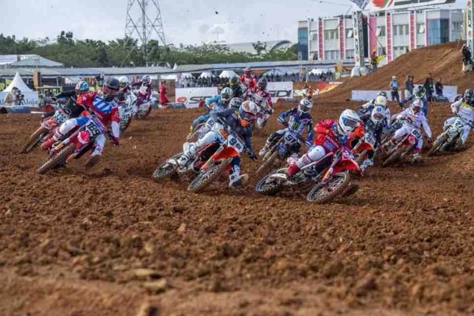 Мотокросс: видео квалификации Гран-При Индонезии MXGP/MX2