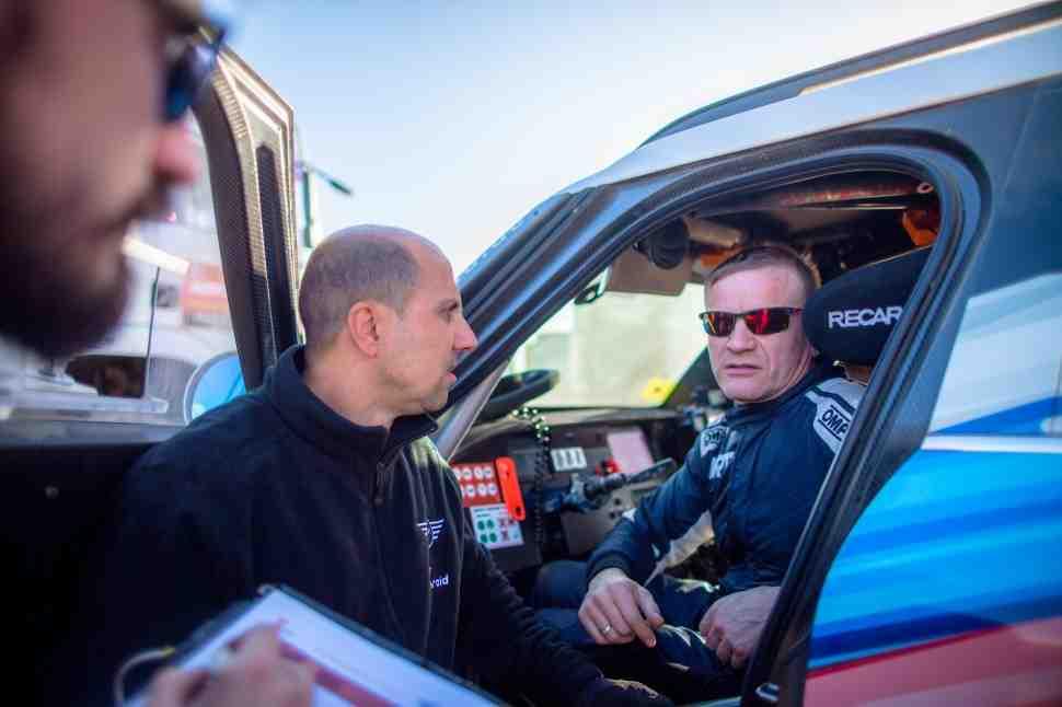 Экипаж Владимира Васильева снялся с ралли Дакар 2020 из-за пожара